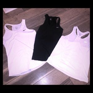 Nike tank bundle